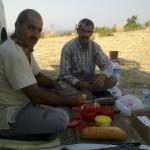 300920131435-Mngt, kahvaltı marangozlar vebenünemit otu ve manavgatta arıların yanında kahvaltı (3)